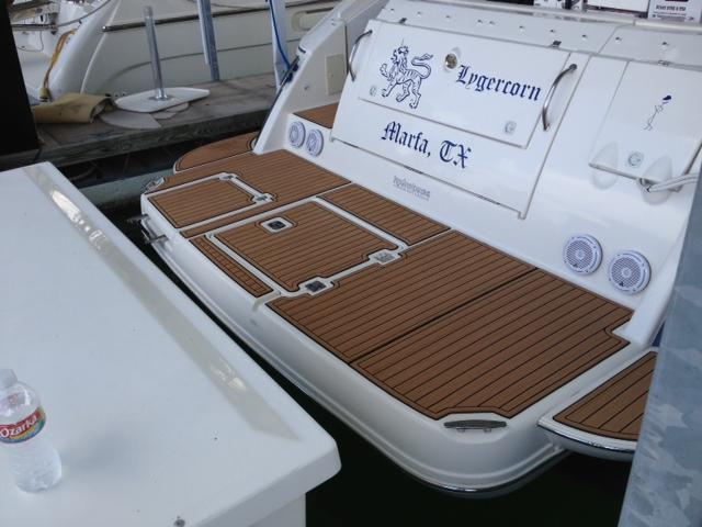 2006 Cruisers Yachts RGB LED JL Audio Wet Sounds ARC Audio Custom Acrylic Pods SeaDek Faux Teak Decking Flooring