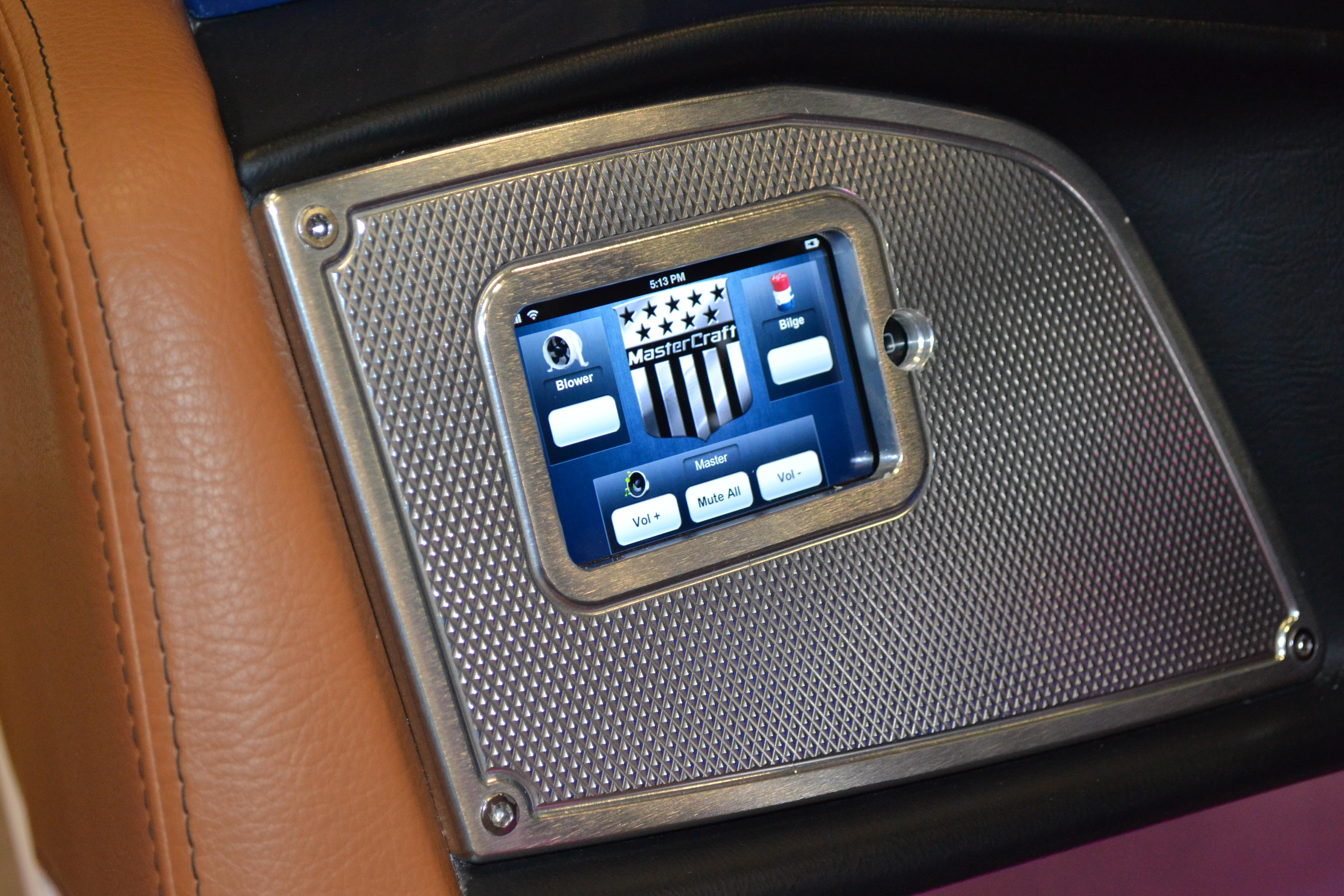 2013 Mastercraft X30 Crestron Wet Sounds XS-808 8