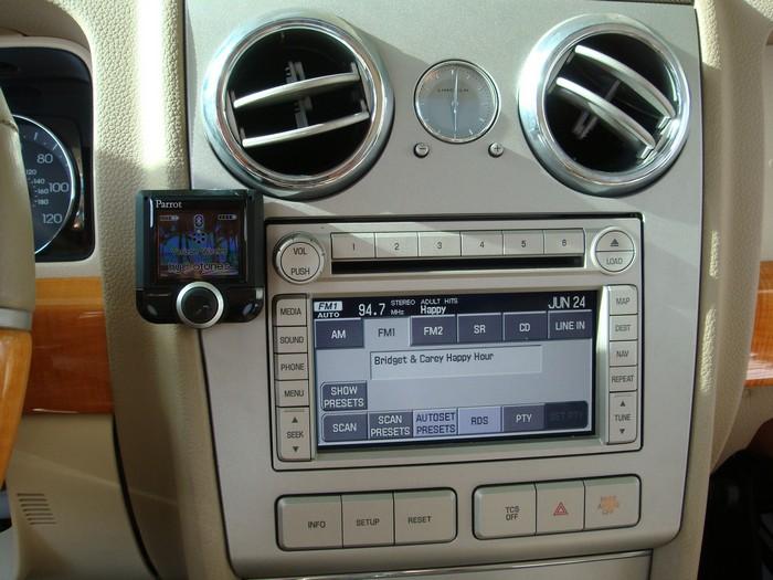 Parrot 3200 LS Bluetooth handsfree kit.